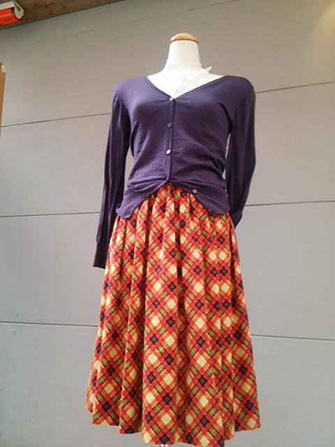 春、ギャザースカート